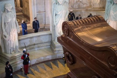 Heroïsch Verlichtingsstrijder of de heerser die de Republiek de nek omdraaide? De kwestie-Napoleon laait weer op in Frankrijk