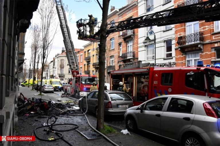 Twee kindjes van 2,5 en 4 jaar oud omgekomen bij zware woningbrand in Laken