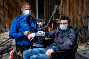 Karate-trainer ontwikkelt bionische handschoen voor blinde leerling Giacomo (38)