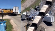 Enorme ravage nadat trein zich in vrachtwagen met motorpech boort