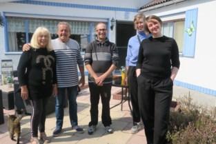 Podcastreeks 'Strandhoofden': VETO legt microfoon achter bungalowgevels van Schildestrand