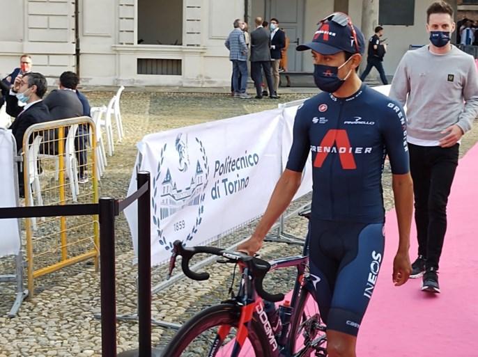 Ploegvoorstelling Giro: Remco Evenepoel maakt zijn opwachting en is vooral blij dat hij op het podium mag staan