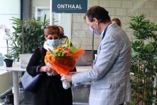 Minister Beke bezoekt vaccinatiecentrum de Toren