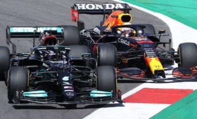 """Max Verstappen en Lewis Hamilton: """"We vertrouwen elkaar genoeg om op de limiet tegen elkaar te racen"""""""