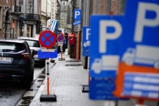 """""""Het oerwoud aan parkeerverboden in Gent raakt maar niet onder controle"""""""