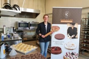 """Na twee sluitingen kan Karen (29) eindelijk opnieuw taarten bakken: """"Een koffietje en een stukje taart, dat maakt toch iedereen gelukkig?"""""""