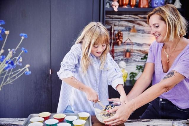 Koken met kinderen: zo doet Sofie Dumont dat