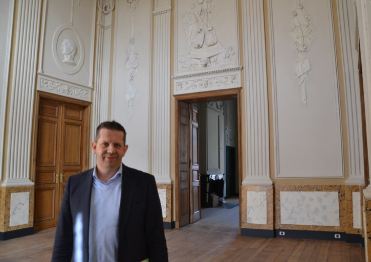 """Crisisoverleg in Sint-Truiden: meerderheidsfracties onderwerpen Veerle Heeren aan """"kruisverhoor"""""""