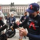 Tao Geoghegan Hart won de vorige Giro. En hoewel liefst 800 miljoen mensen voor tv zullen volgen wie zijn opvolger wordt, is het wielrennen lang niet zo'n globale sport als het voetbal. Dat vertaalt zich in de tv-rechten.