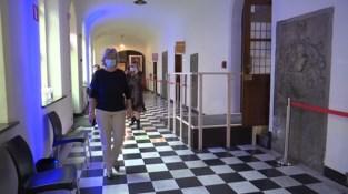 Gouverneur Lantmeeters start grondig onderzoek naar vaccinatieschandaal Sint-Truiden