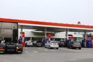 Tanktoeristen uit Nederland steken opnieuw massaal de grens over
