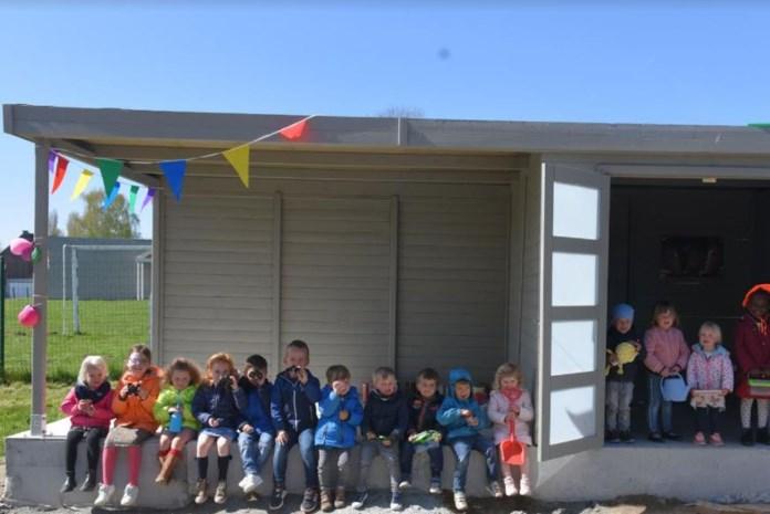 Kleuterschool Pieternel neemt natuurhuis in gebruik