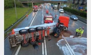 Minderjarige jongen veroorzaakt ongeval op Antwerpse Ring: urenlange verkeershinder