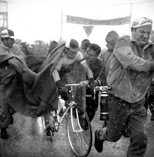 Het Nieuwsblad trekt naar de Giro met vader Eddy Merckx én zoon Axel Merckx: ''Opwindend, nooit eerder deden we dit samen''