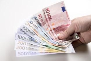 Werkstraf voor medewerkers uitzendkantoor die loon op eigen rekening laten storten