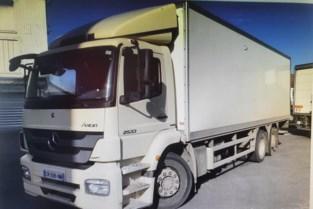 """Dieven deden er uren over om vrachtwagen te stelen, maar politie vond hem wel heel snel terug: """"Ze wisten niet dat het tracksysteem nog in werking was"""""""