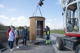 De Haan plaatst vier ecologische openbare toiletten zonder afvoer