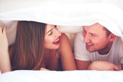 Met deze tips praat je vlot over jullie seksleven: seksuoloog Alexander Witpas geeft advies
