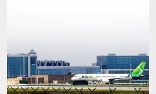 Eentje mist een motor, in de andere zit een vogelnestje: vliegtuigen van failliete Congolese maatschappij staan al vijf jaar in de weg op Zaventem
