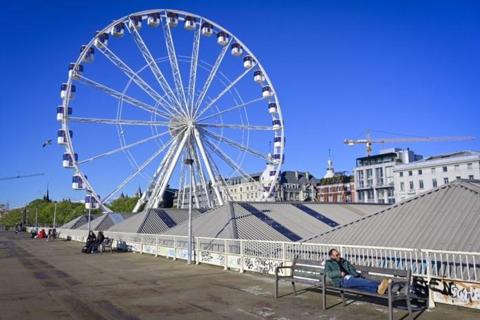 Het staat er al maanden, maar draaide nog geen seconde: reuzenrad in 't Stad eindelijk klaar voor klanten