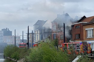 Uitslaande woningbrand aan Muide: veel rook, brandweer snel ter plaatse