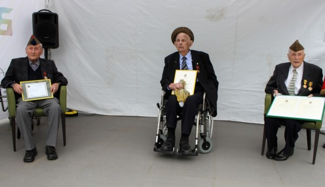 """Oud-strijders uit Berlaar ontvangen na 76 jaar hun medaille: """"Lang op gewacht"""""""