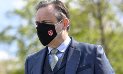 """Bart De Wever: """"Regering moet terugkomen op regels over plexiglas op terrassen"""""""