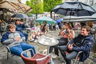 """Regen of niet, de Stella vloeit weer op de Oude Markt: """"Dit voelt als thuiskomen"""""""