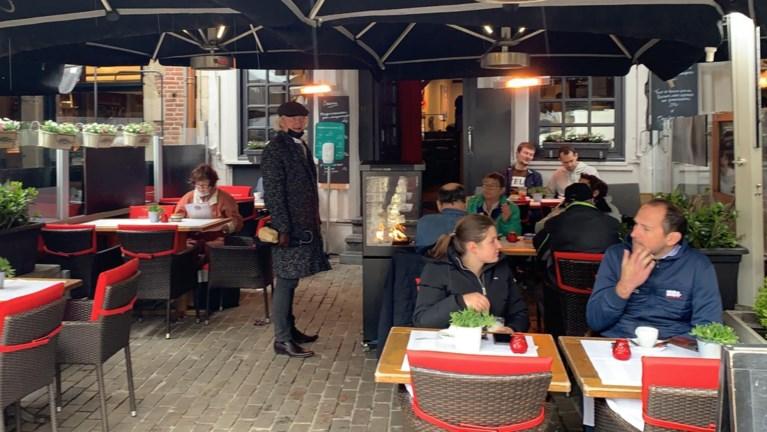 Gentenaars zijn op de afspraak: terrassen zien eerste klanten, het bier vloeit al