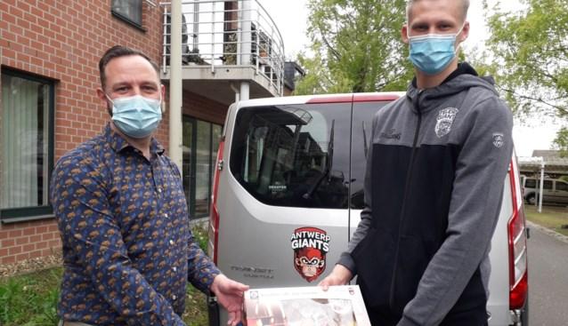 Antwerp Giant schenkt 100 ontbijtboxen aan wzc De Kleine Kasteeltjes