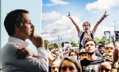 """Premier De Croo: """"Grote festivals moeten mogelijk zijn in de tweede helft van de zomer"""""""