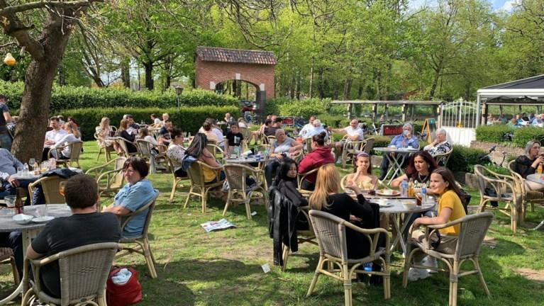 Met zijn 16.000 op het terras in Gent, maar amper boetes of incidenten