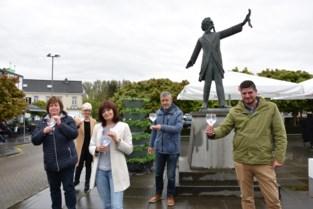 Toneelvereniging Thaleia uit Sint-Amands klinkt met eigen gin