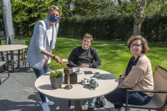 """Sterrenrestaurant Boury ontvangt klanten in tuin: """"Personeel blij dat ze in jeans mogen opdienen"""""""