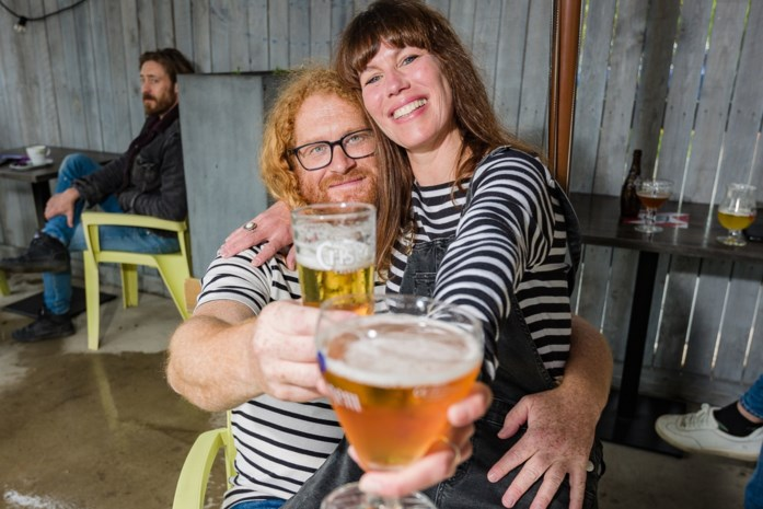 Zo beleefden onze reporter en haar man T-day in hun café in Zemst