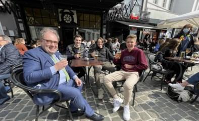 IN BEELD. Aalst geniet met volle teugen van heropening terrassen