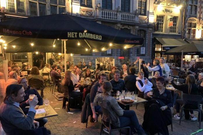 Eerste horeca-avond in maanden voor Gent: niemand wil naar huis, maar (bijna) iedereen gedraagt zich