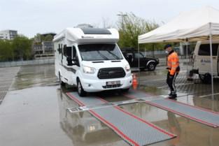 """Eigenaars mobilhomes en caravans laten voertuig wegen: """"Blij dat ik dit even kon checken"""""""