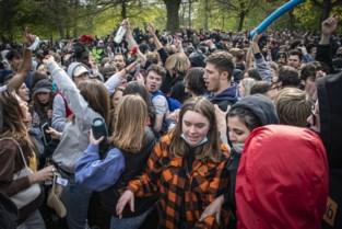 Tweehonderd mensen betogen tegen politiegeweld tegen jongeren in Brussel