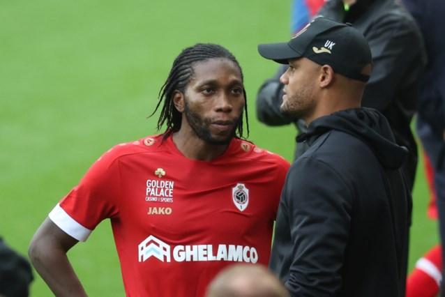 """Vincent Kompany na knalprestatie van Mbokani: """"In Anderlecht zijn er alleen maar bewonderaars van Dieu"""""""