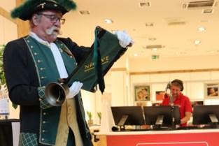 """Nieuwe zender opent studio in winkelcentrum: """"We maken radio over alles wat leeft en beweegt in en rond Ninove"""""""