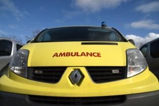 Voetgangster gewond na botsing met auto