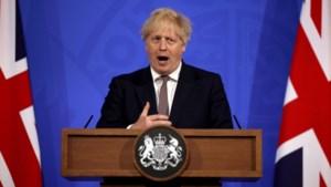 Verenigd Koninkrijk heft heleboel coronamaatregelen op: horeca mag ook binnen volk ontvangen, buiten met 30 mensen afspreken en tot 10.000 fans op sportevents