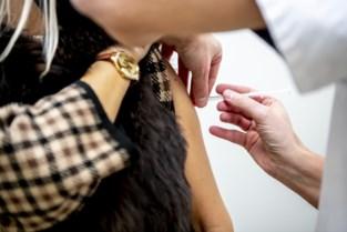 """Vaccinaties gaan volgende fase in: """"Vanaf nu ook risicopatiënten en zwangere vrouwen aan de beurt"""""""
