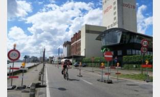 Hinder door vernieuwing kaaimuur: auto's én fietsers slechts in één richting over Metropoolstraat