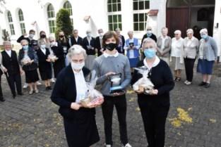 Jongeren verwennen kloosterzusters na verwoestende brand