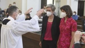 Duitse priesters zegenen homohuwelijken, ondanks tegenkanting Vaticaan