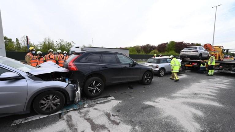 Twee bestuurders gewond na botsing op oprit Sint-Job-in-'t-Goor
