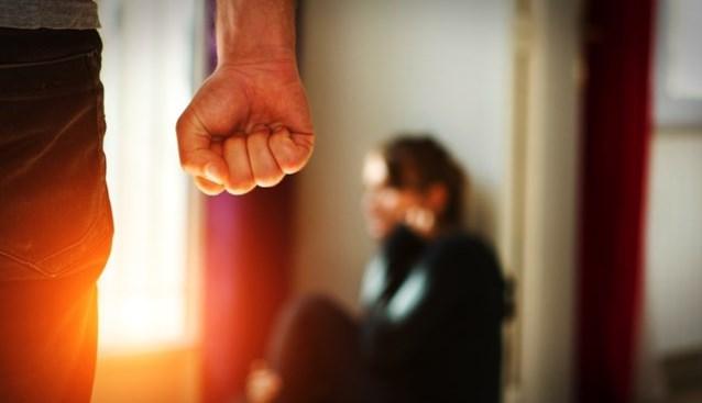 Zeven maanden cel met uitstel voor slagen aan zwangere vriendin