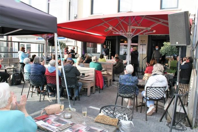 Margriet Hermans zet Sint-Niklase Markt in vuur en vlam